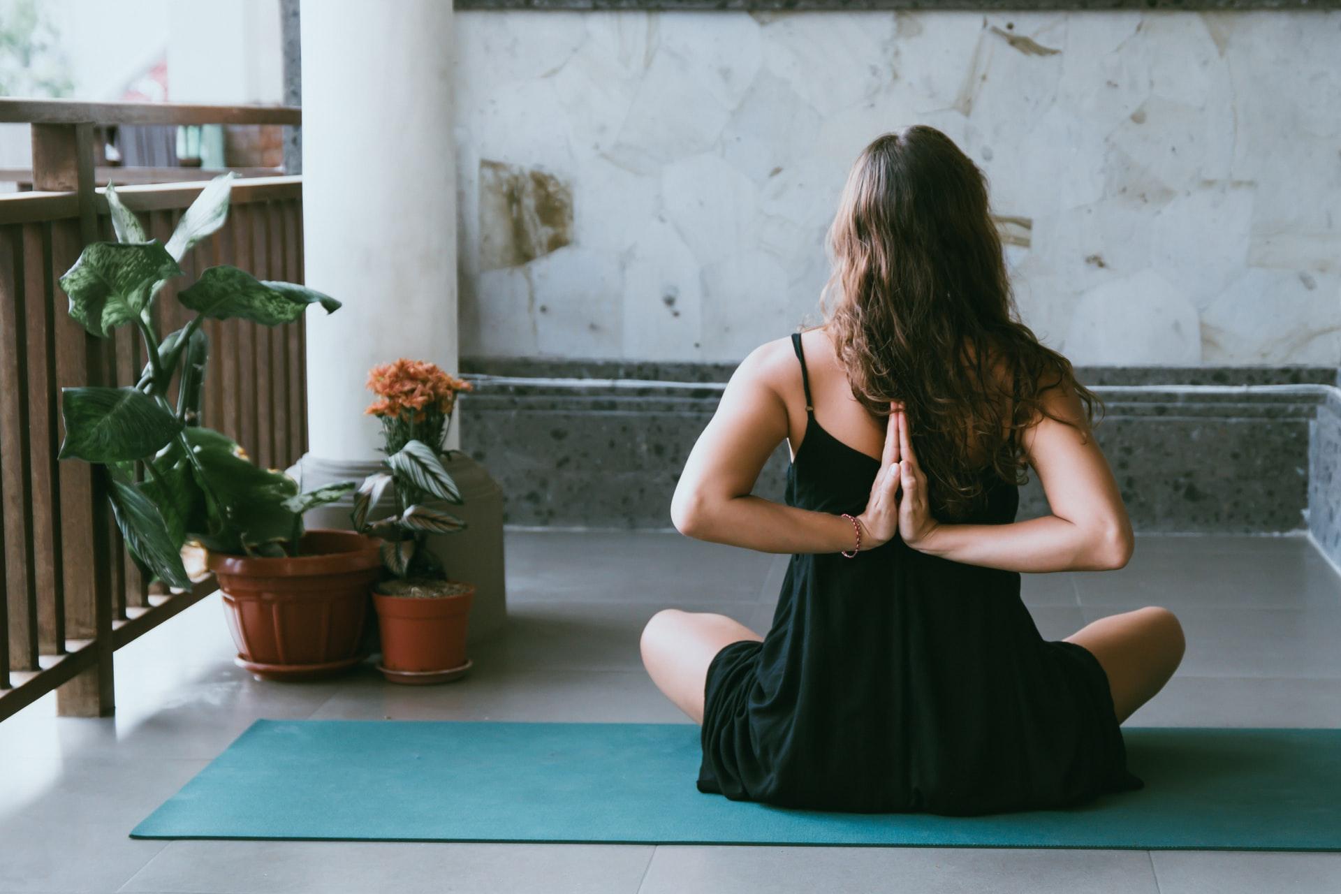 5 Amazing Benefits Of Doing Yoga